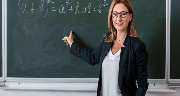 Mutlu Öğretmenler Günü Alıntılar ve Kart Mesajları