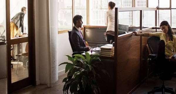Ofisinizde Can sıkıcı Patron Veya Meslektaşınız İçin Alaycı Alıntılar